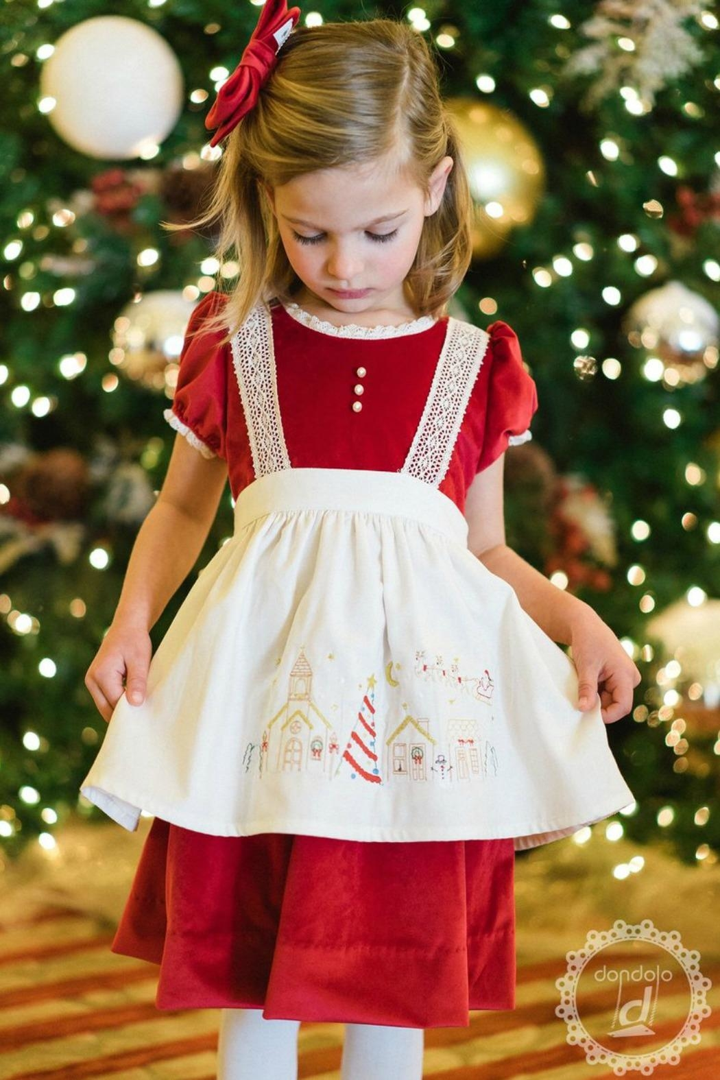 Dondolo Victoria-Christmas-Village-Apron - Front Cropped Image