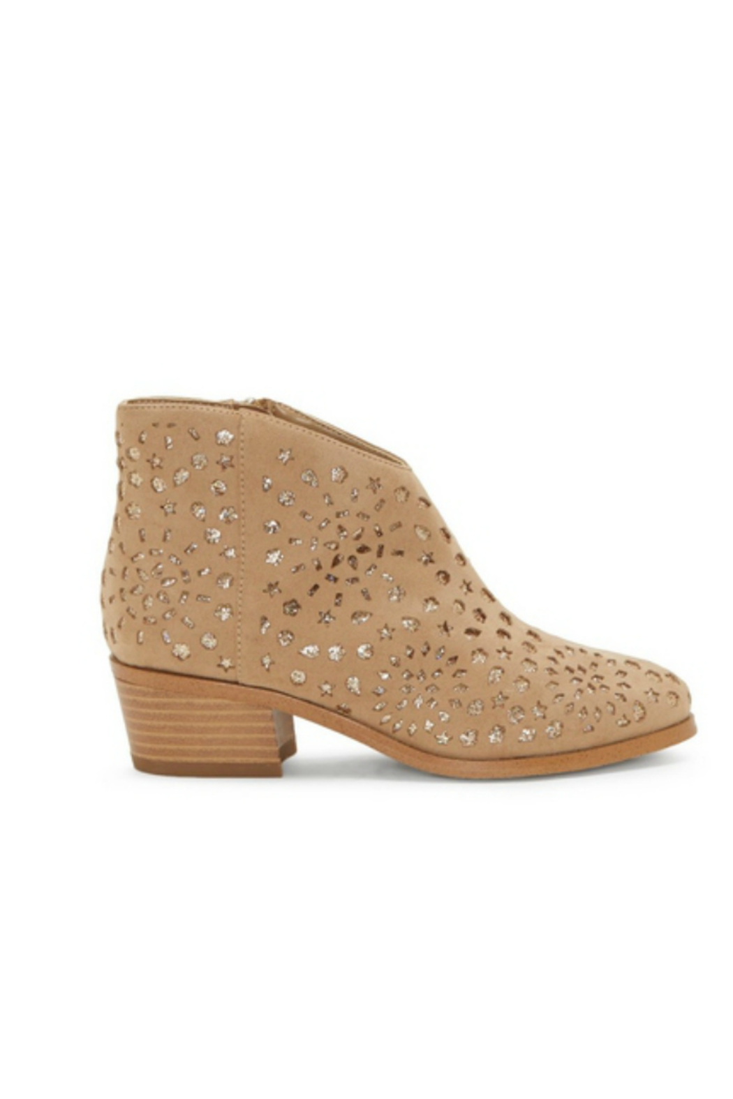 Vince Camuto CG-Philapia - Side Cropped Image
