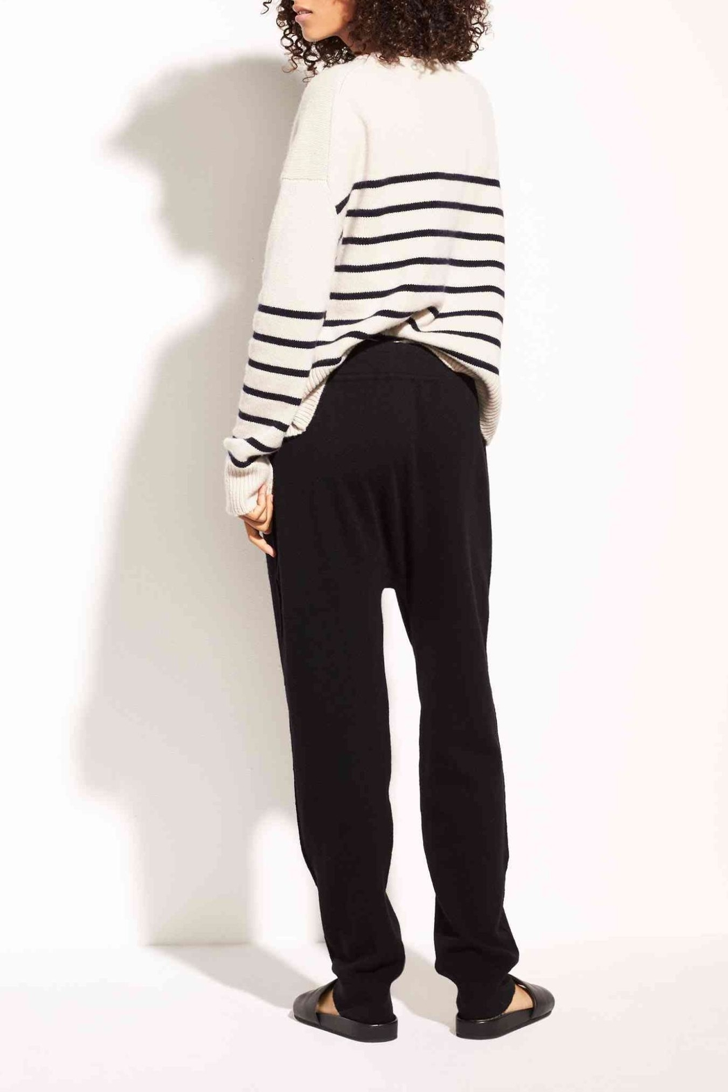 Vince Cashmere-Wool Jogger - Side Cropped Image