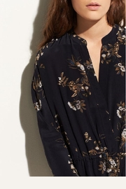 Vince Spaced Floral Shirdress - Side cropped