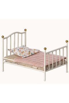 Maileg Vintage Bed Mouse - Off-White - Product List Image