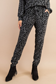 143 Story Vintage Leopard Lounge Jogger - Front cropped