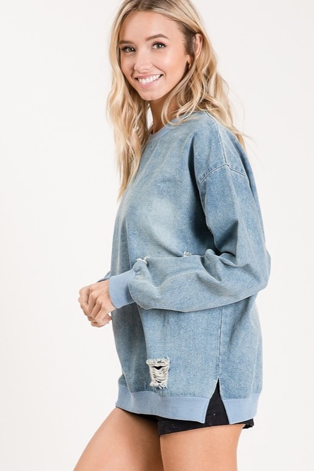 Macaron VINTAGE LOOKING DENIM PULL OVER TOP - Side Cropped Image