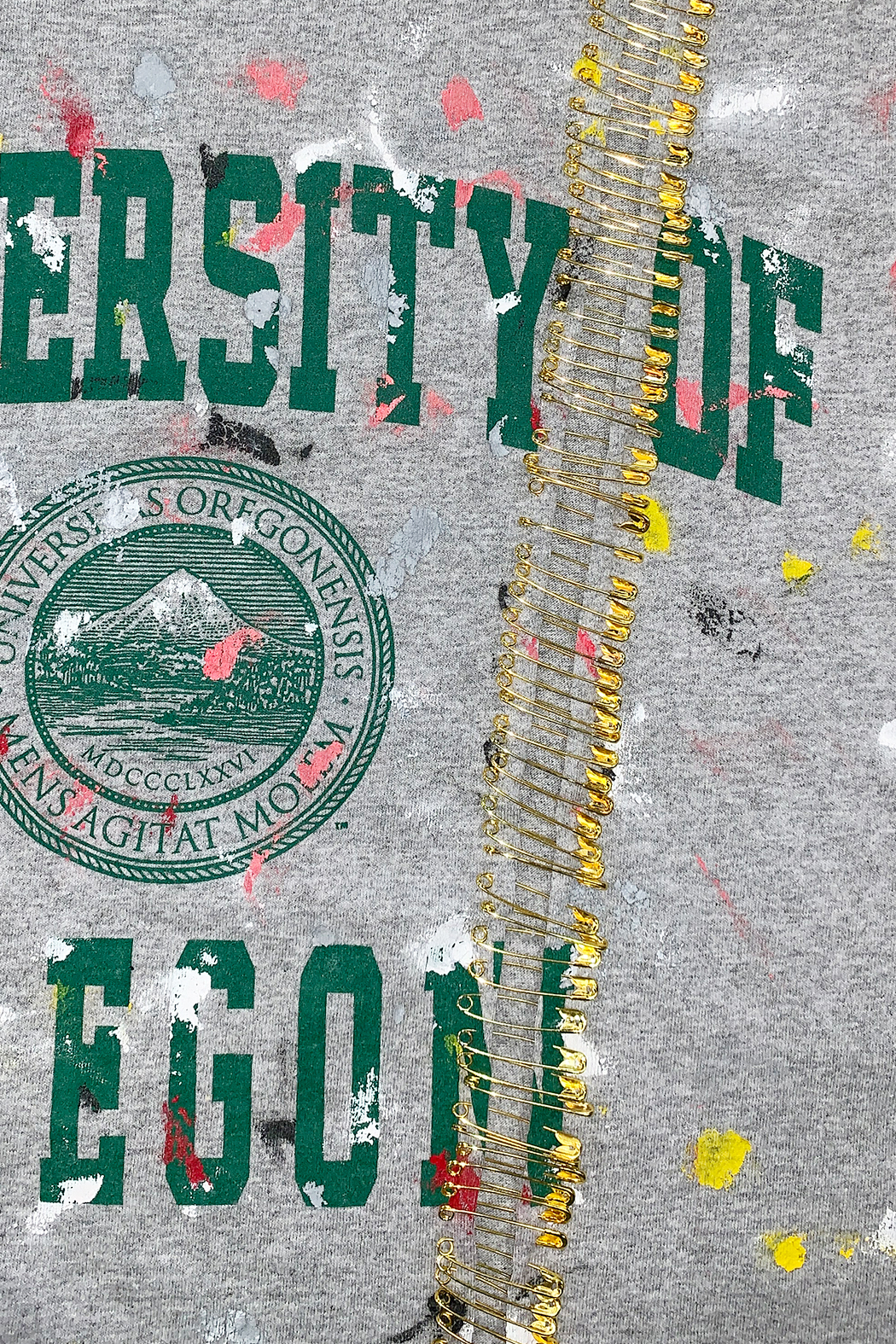 Riley  Vintage Oregon Collegiate Tee - Side Cropped Image