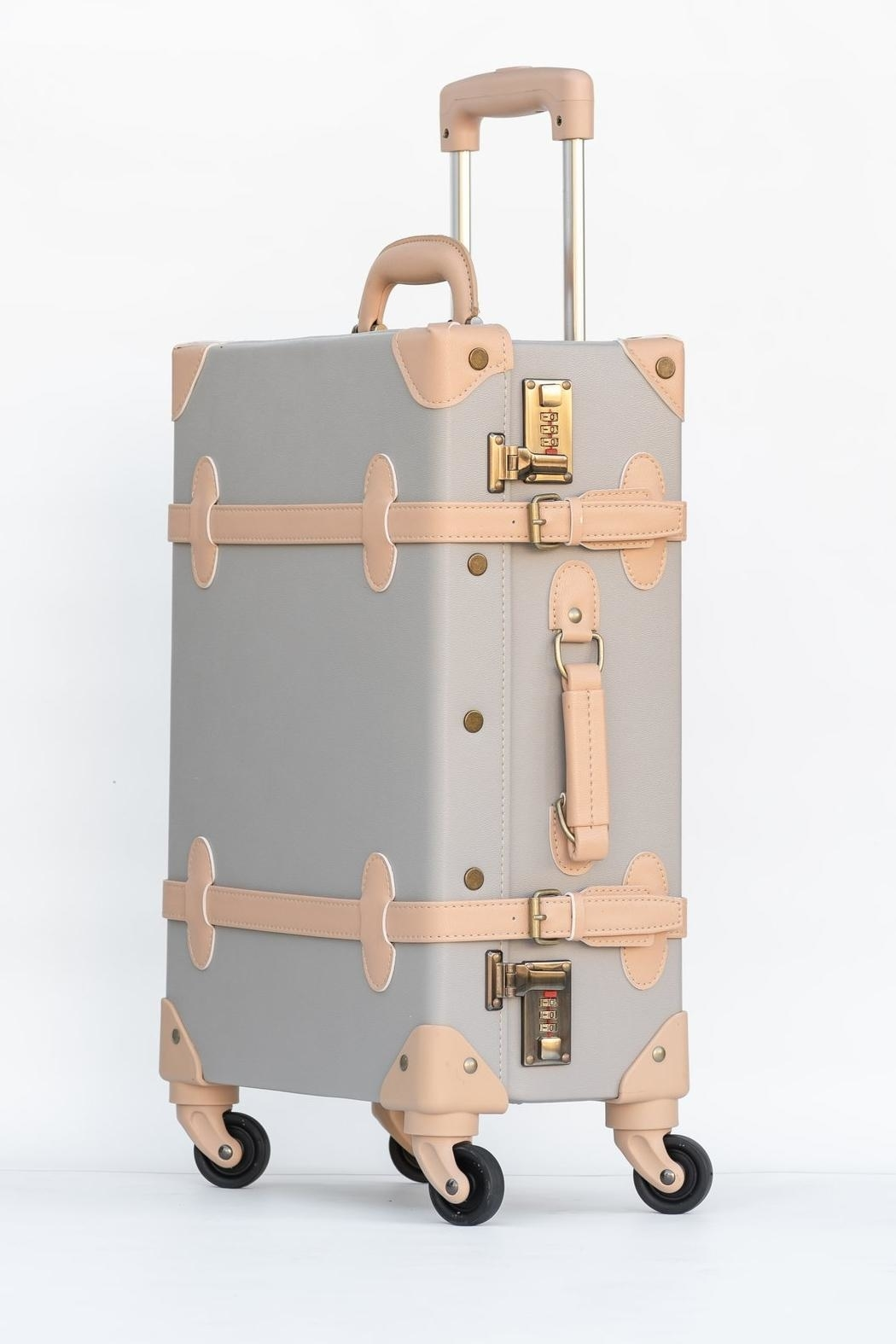 Deux Peches Vintage Style Luggage - Front Full Image