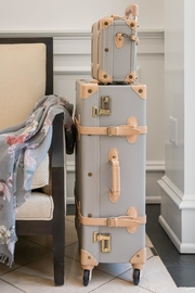 Deux Peches Vintage Style Luggage - Front cropped
