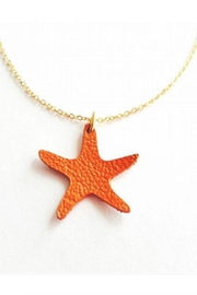 Vinuesa Made Leather Starfish Necklace - Front cropped