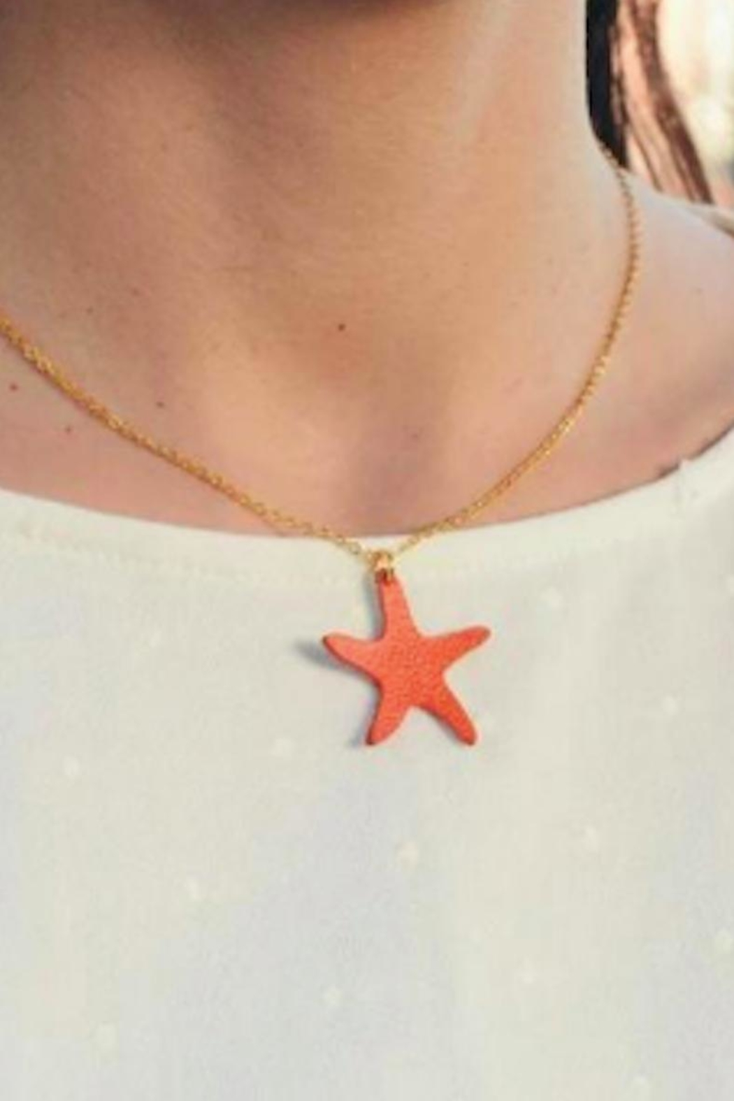 Vinuesa Made Leather Starfish Necklace - Front Full Image