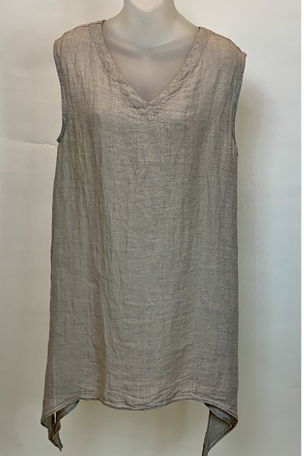 Match Point VNECK TUNIC - Main Image