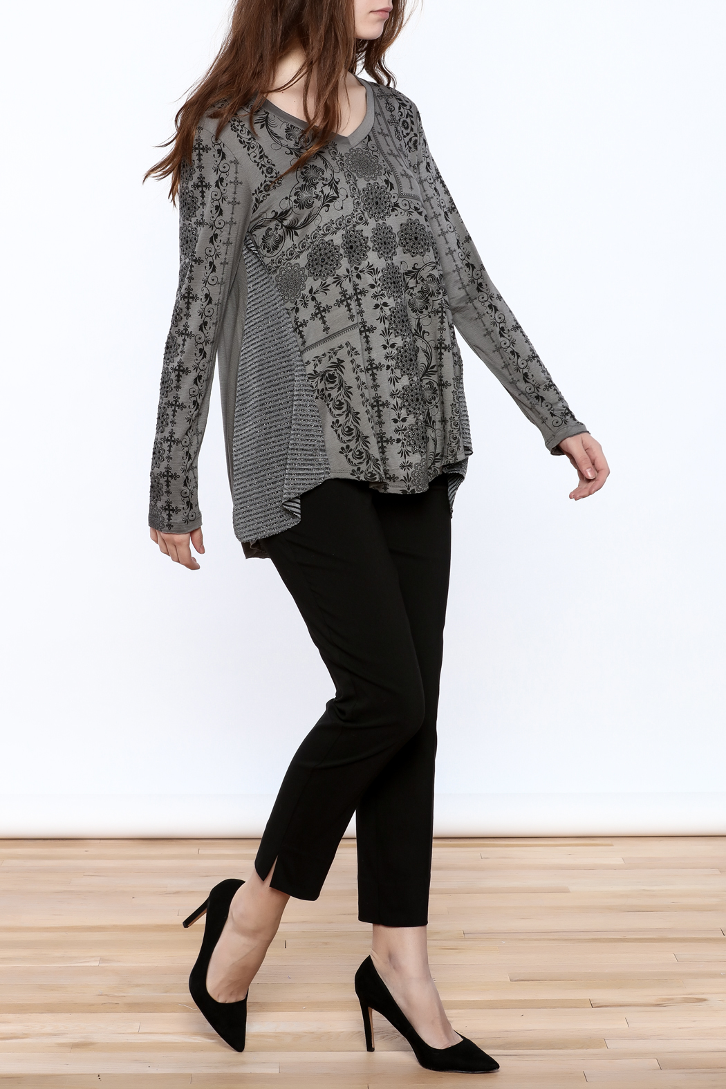 Voice Of California Loose Long Sleeve Top - Front Full Image