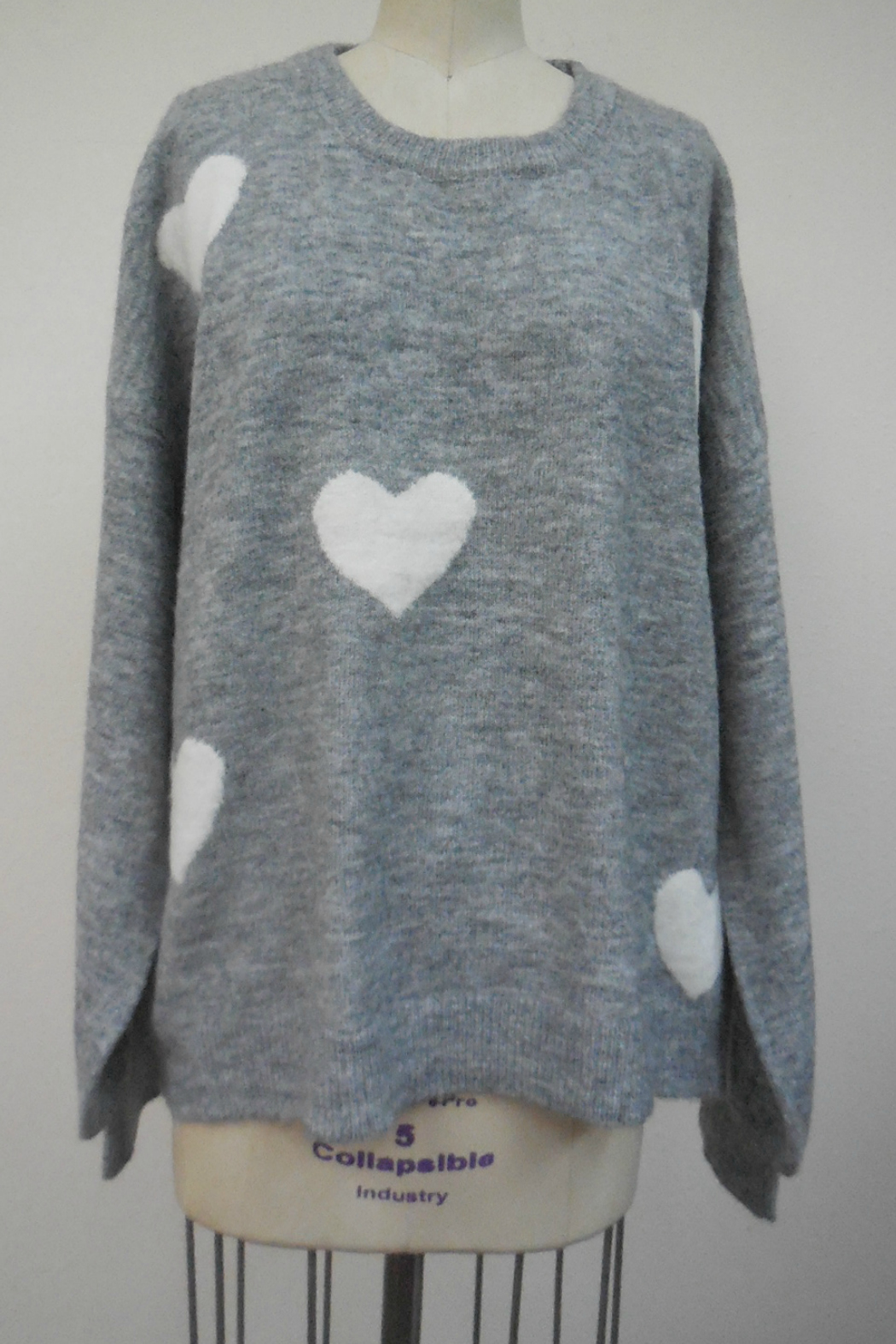 Hem & Thread Volume sleeve heart oversized sweater - Front Cropped Image