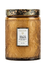 Voluspa Baltic Amber Candle - Front cropped