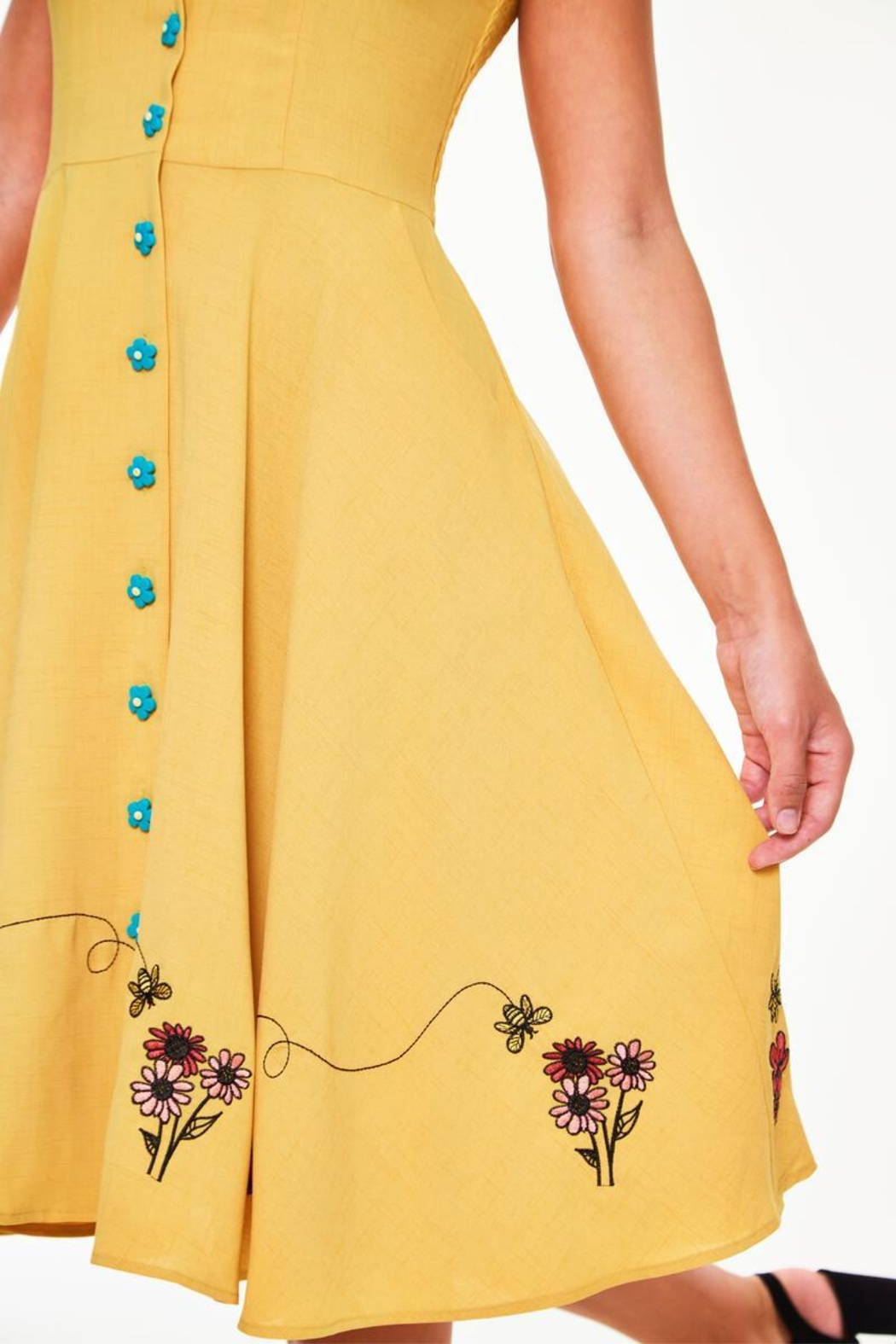 Voodoo Vixen Busy Bee Embroidered-Dress - Back Cropped Image
