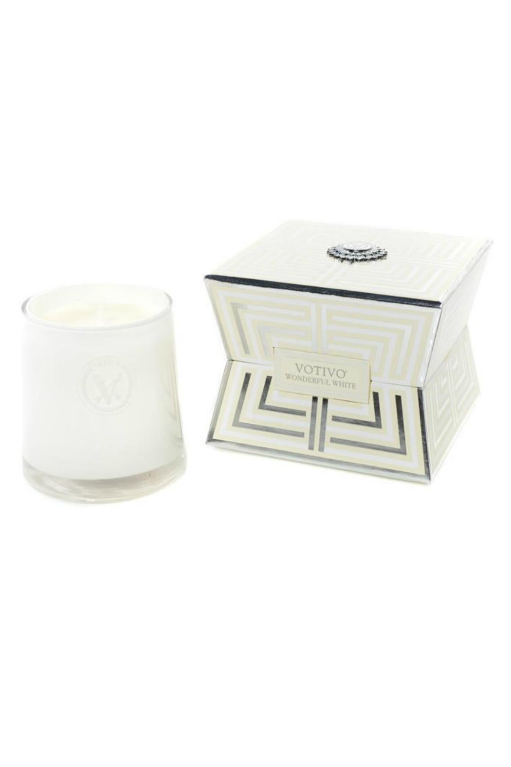 Votivo Aromatic Candles Wonderful-White Soziety Candle - Front Cropped Image