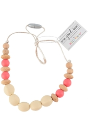 Bella Tunno Waco Teething Necklace - Front cropped