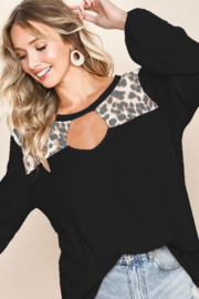 Bibi WAFFLE KNIT WITH CUT OUT FRONT BALLOON SLEEVE TOP - Front full body