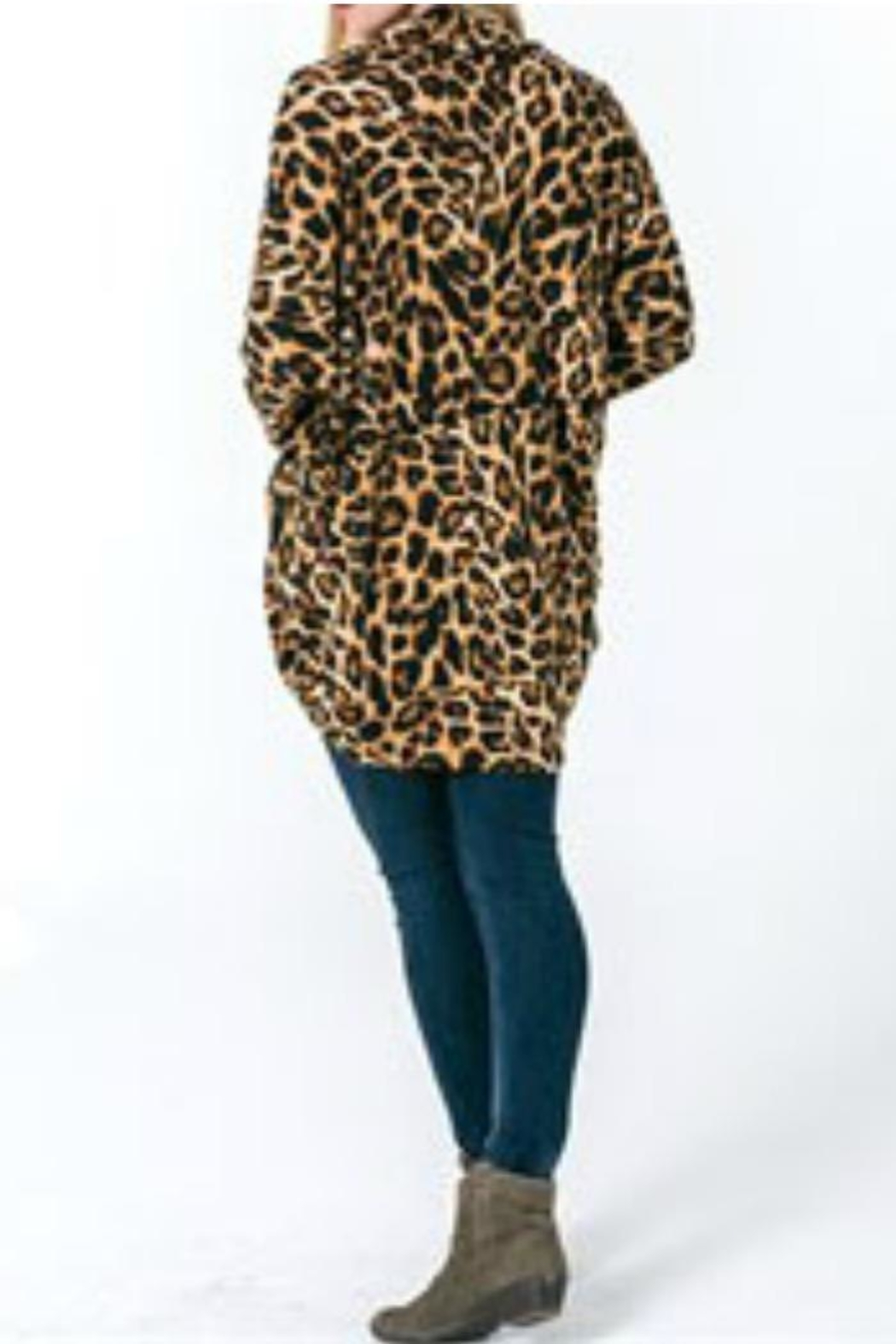 Wanna B Leopard Cardigan - Side Cropped Image