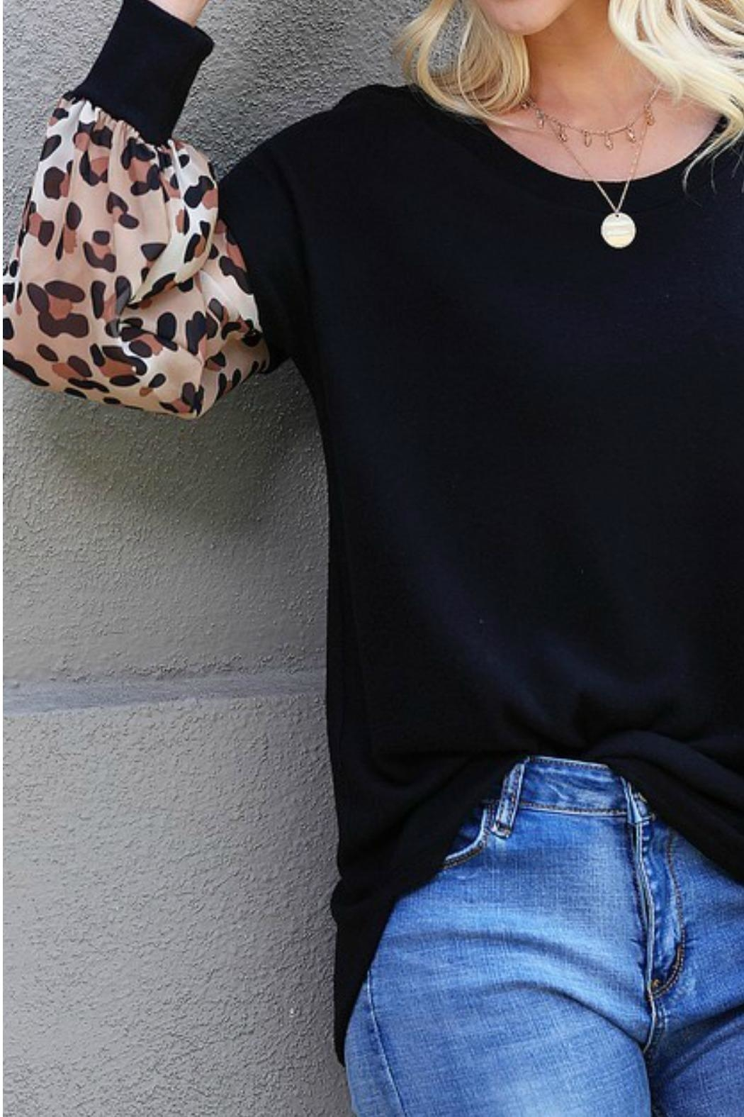 Wanna B Leopard Puff Sleeve Top - Side Cropped Image