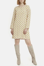 Shop Queen's Gambit Outfits – 60s Clothes Water Lily Smock Dress $50.95 AT vintagedancer.com