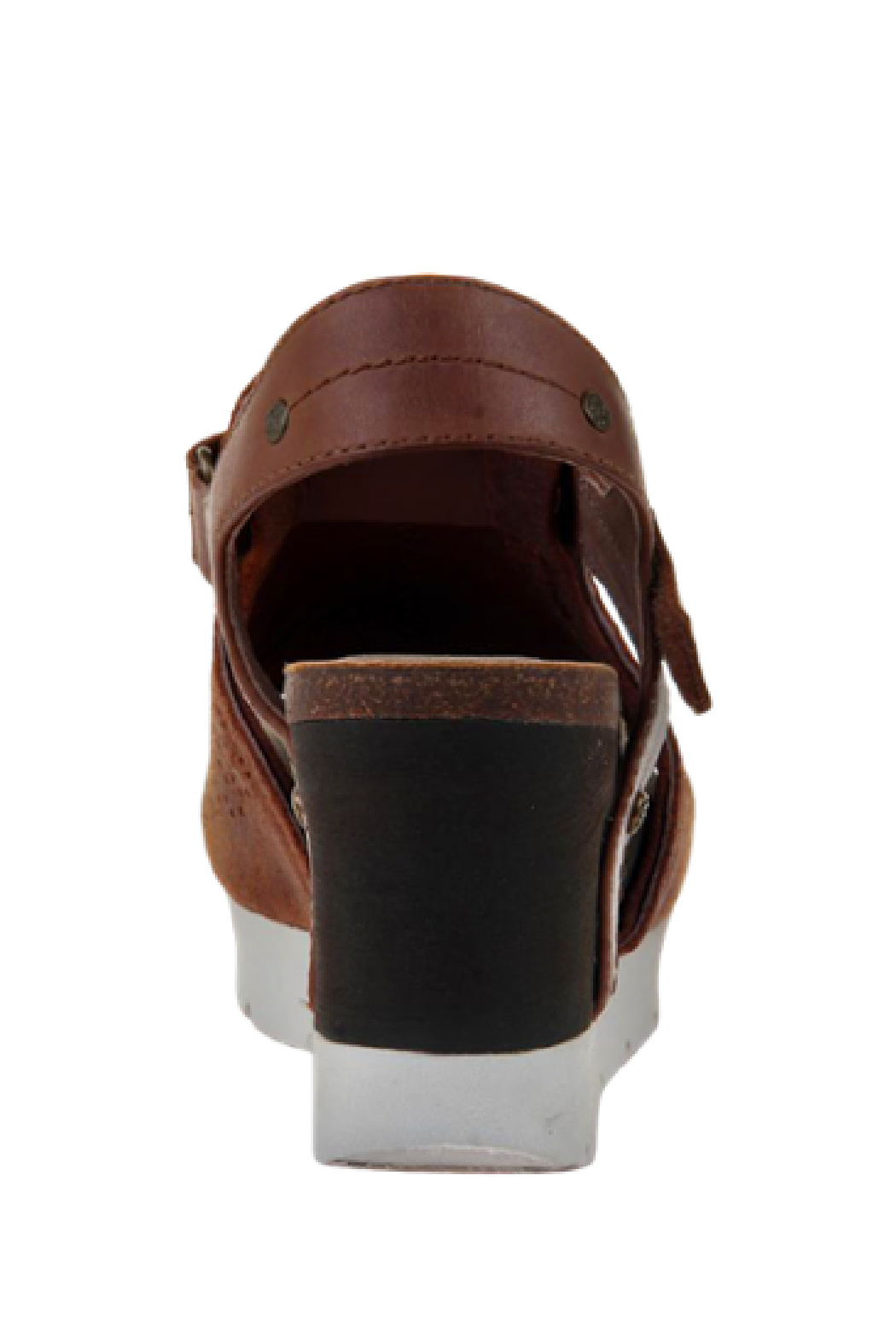 OTBT Waypoint New Tan Wedge - Back Cropped Image