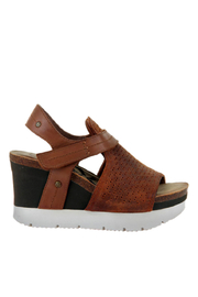 OTBT Waypoint New Tan Wedge - Side cropped