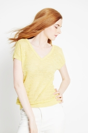 WENHUA DUVERGÉ Yellow Organic Cotton Sweater - Side cropped
