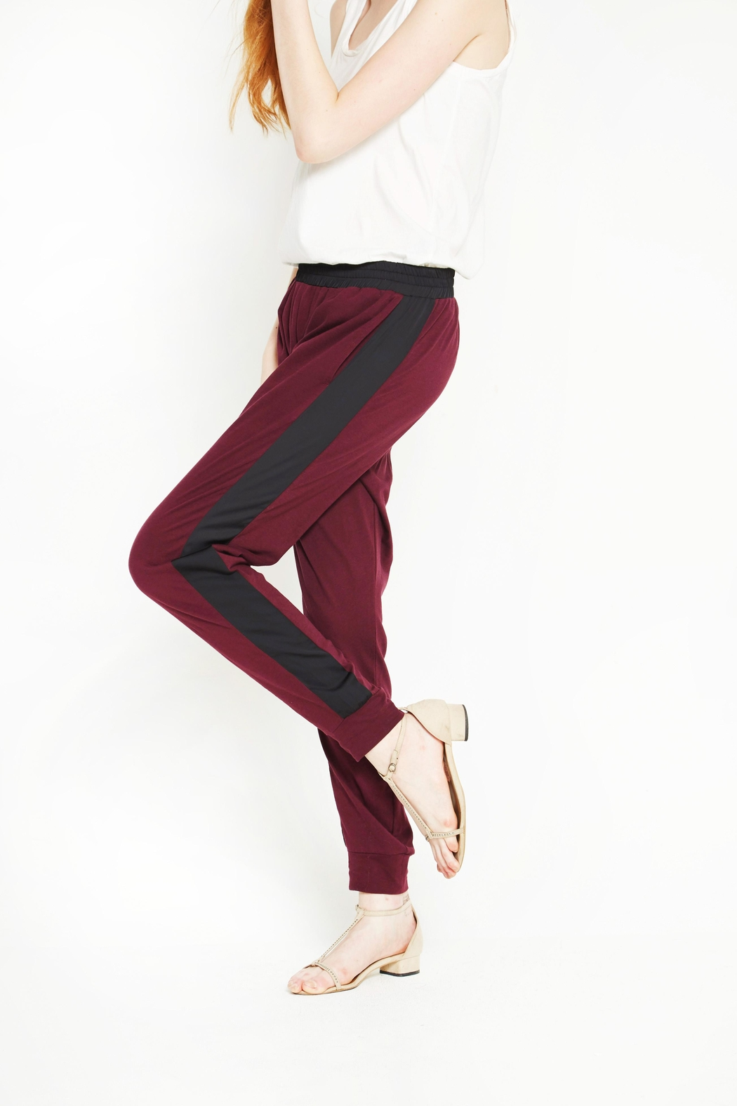WENHUA DUVERGÉ Red Organic Cotton Sweatpants - Front Full Image