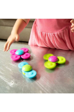 Fat Brain Toys Whirly Squigz Fun Little Spinners - Alternate List Image