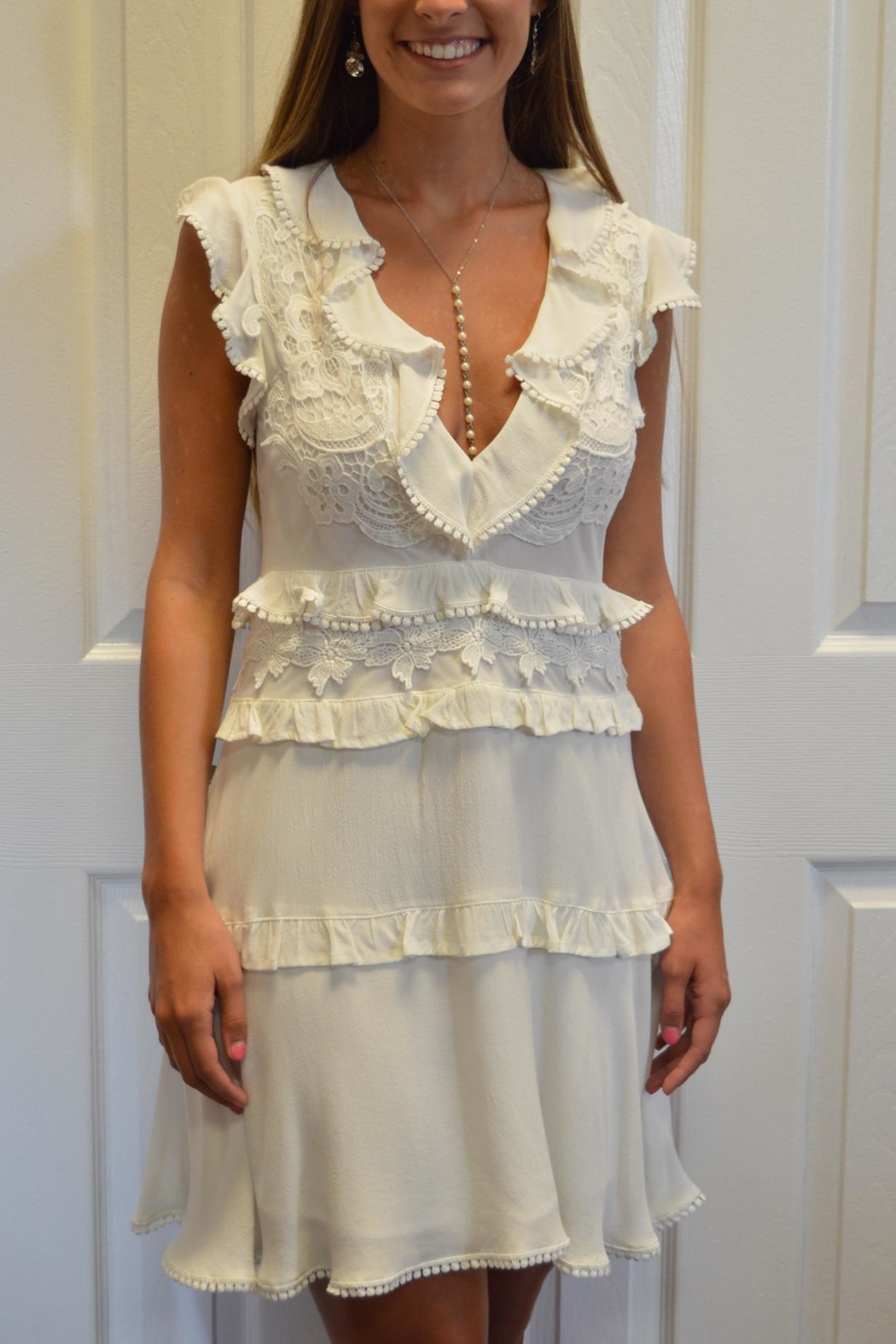 The Clothing Co White Appliqued Dress - Side Cropped Image