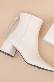 miracle miles  White Booties - Front cropped