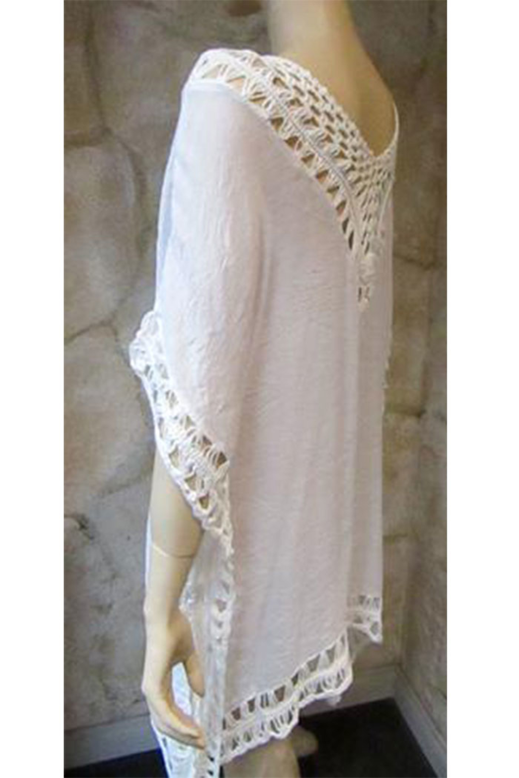 India Boutique White Crochet Trimmed Poncho - Side Cropped Image