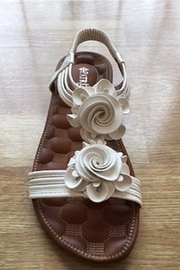 Spring Step  white flower flat sandal - Front cropped