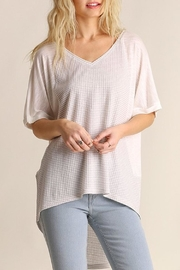 Umgee USA White/gray Waffle Top - Product Mini Image