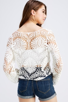 En Creme White Lace Top - Alternate List Image