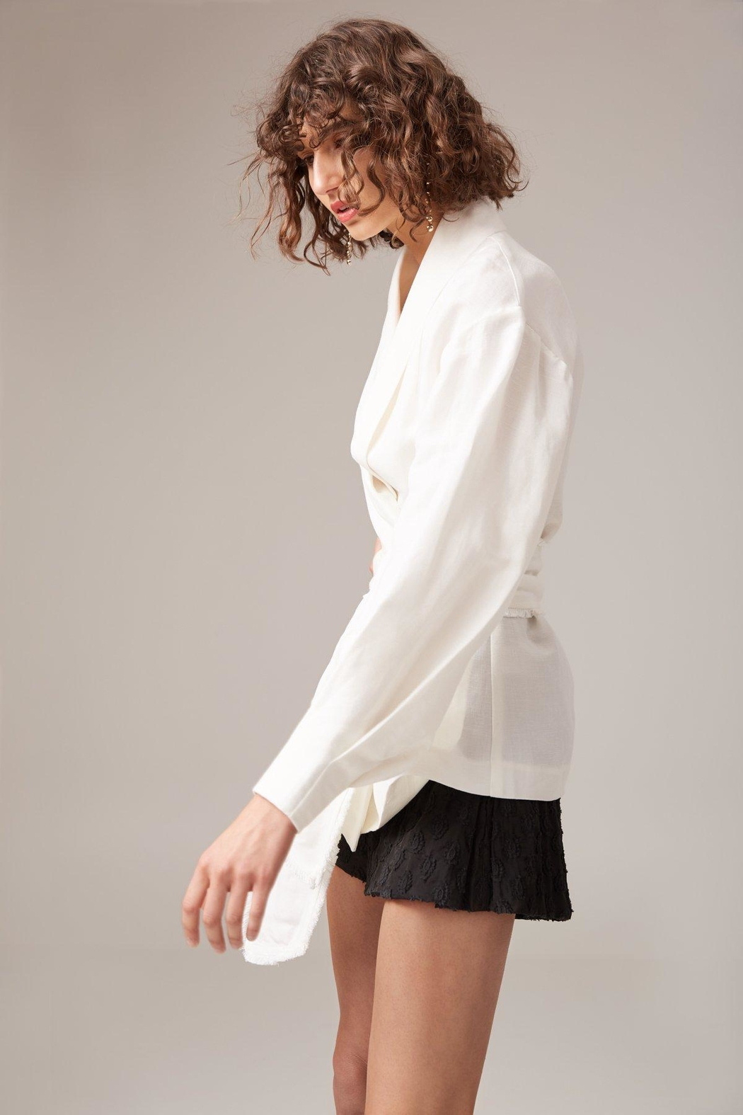 C/MEO COLLECTIVE White Linen Blazer - Front Full Image
