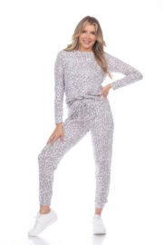 WhiteMark White Mark's 2 Piece Leopard Lounge Set - Front cropped