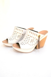 Lobo Solo White Soft Shoes - Front cropped