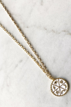 Market and King White talisman - Product List Image