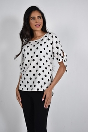 Frank Lyman  White with black polka dots woven top. - Front cropped
