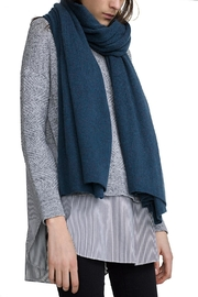 White + Warren Cashmere Travel Wrap - Front cropped
