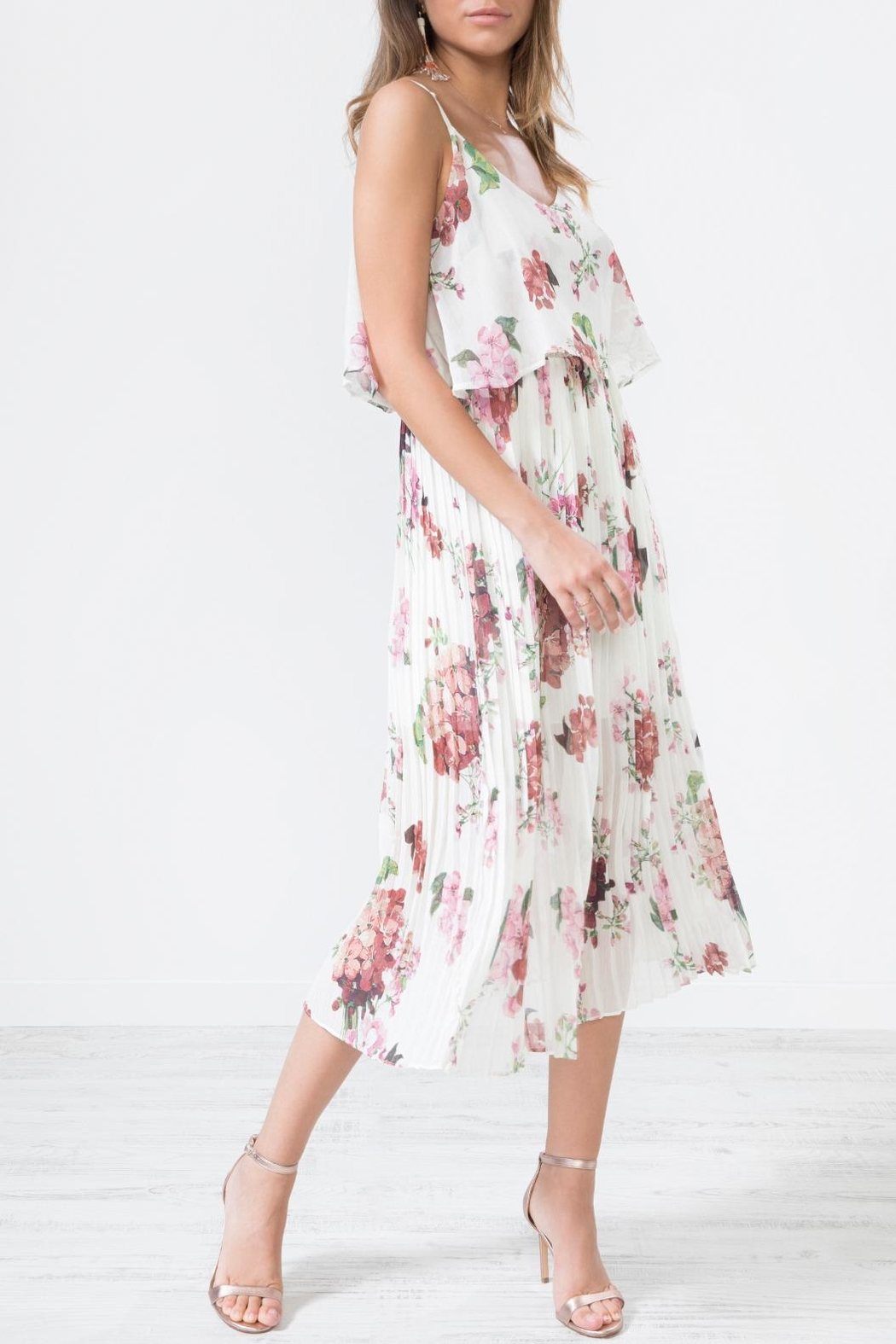 Urban Touch Whitefloralprint Pleated Camimididress - Side Cropped Image