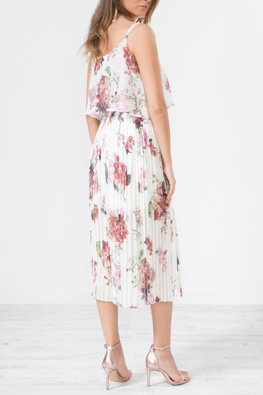 Urban Touch Whitefloralprint Pleated Camimididress - Back Cropped Image
