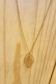 Wholesale Boutique Gold Leaf Necklace - Product Mini Image