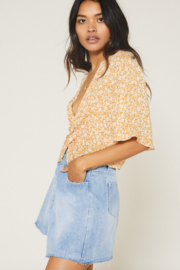 SAGE THE LABEL Wild Honey Knot Front Top - Back cropped
