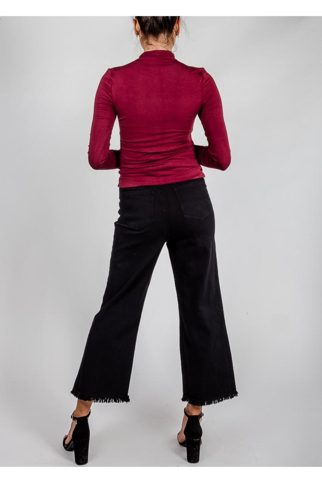 Wild Honey Cut-Off Black Jeans - Side Cropped Image