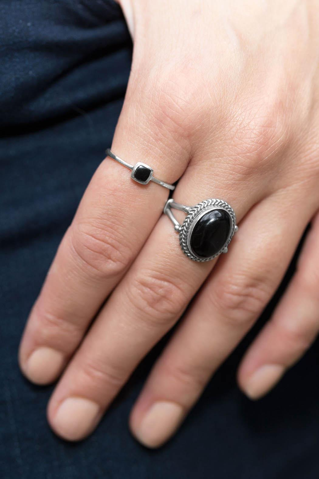 Wild Lilies Jewelry  Oval Onyx Ring - Back Cropped Image