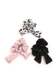 Wild Lilies Jewelry  Spotted Scrunchie Set - Front cropped