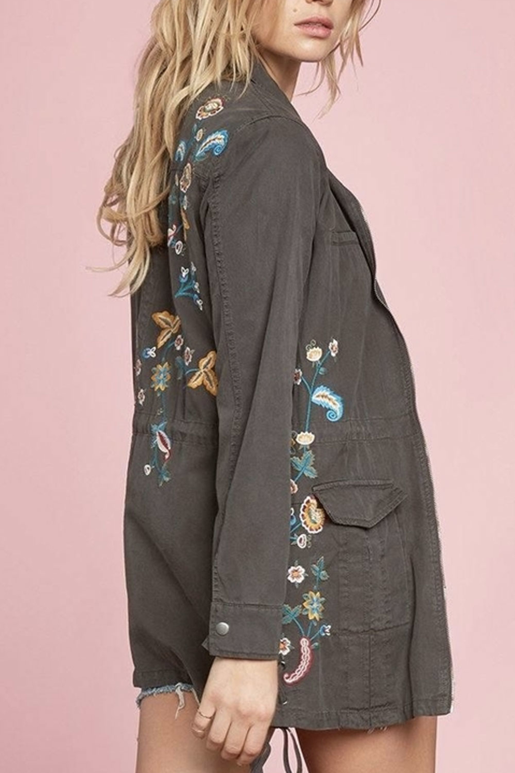 Willow & Clay Cove Anorak Jacket - Back Cropped Image