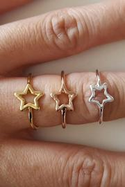 Winky Designs Stars Hollow Ring - Front full body