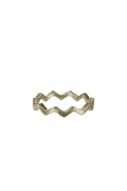Winky Designs Zig Zag Ring - Front cropped
